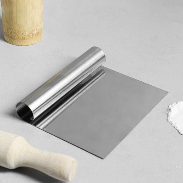Кондитерский шпатель металлический для выравнивания 12*15 см